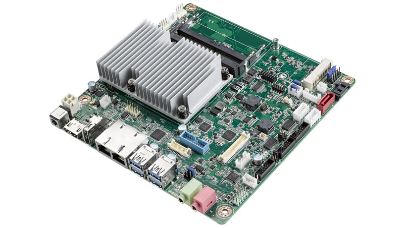 Mini-ITX Intel Core™ i7-6600u with HDMI/LVDS/DP++, Support 2 Full-size MiniPCIe