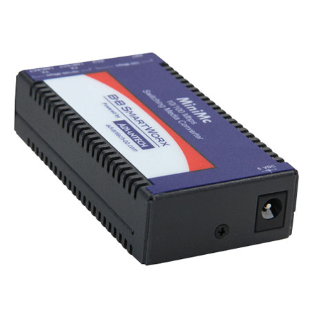 Miniature Media Converter, 100Base-TX/FX, Multi-mode 850nm, 2km, SC type, w/ AC adapter (also known as MiniMc 855-10621)