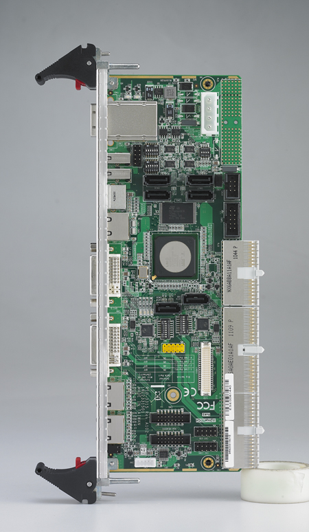 6U CompactPCI<sup>®</sup> Rear Transition Board for the MIC-3395 with MiniSAS